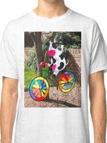 Cycling cow Classic T-Shirt