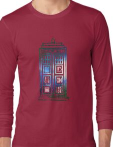 TARDIS - 'It's bigger on the inside' quote Long Sleeve T-Shirt