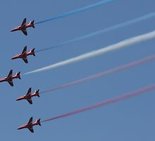 Red Arrows @ Goodwood 2009 by JohnBuchanan