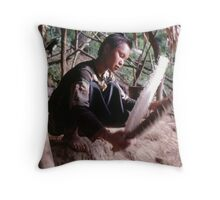 Winnowing rice Throw Pillow