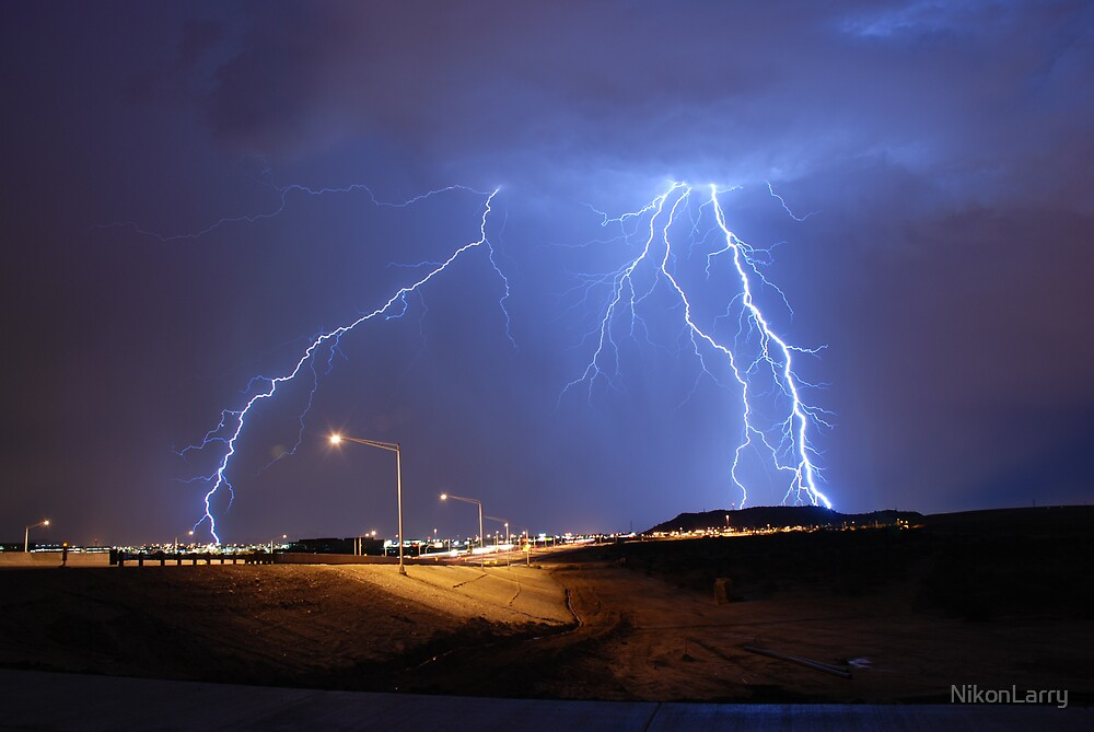 Lightning over North Phoenix by NikonLarry