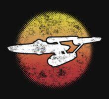 Constitution class Starship - dark Kids Tee