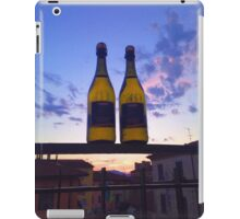 Two Vinos to go iPad Case/Skin