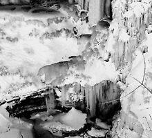 Minnehaha Falls by rachelbee