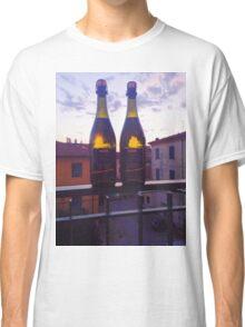Vino in the sunset Classic T-Shirt