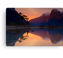 Milford Sound, Fiordland National Park Canvas Print