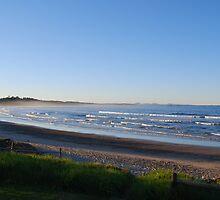 Woolgoolga Beach by splitsie