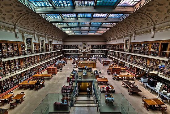 Big room full of books... by Leigh Nelson