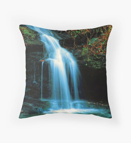WATERFALL ON LITTLE RIVER Throw Pillow