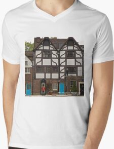 England - Tower of London Guard Mens V-Neck T-Shirt