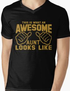 This is What an Awesome Aunt Looks Like Retro Mens V-Neck T-Shirt