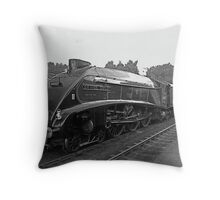 Sir Nigel Gresley - 60007- A4 Class - NYMR Throw Pillow