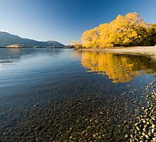 Lake Wanaka. by Michael Treloar