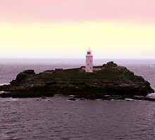 The lighthouse of cornwall by Salleh Sparrow