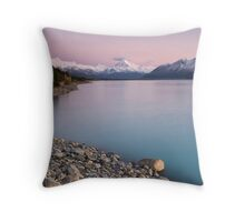 Mt Cook, Sunrise. Throw Pillow