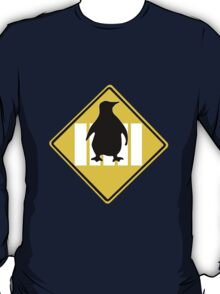 LINUX TUX PENGUIN CROSSING ROAD SIGN T-Shirt