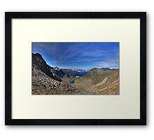 Land der Berge Framed Print