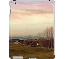 Beautiful panorama under a cloudy sky | landscape photography iPad Case/Skin