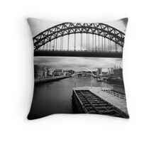 Towards the sea and beyond Throw Pillow