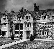 Trerice Manor House by Catherine Hamilton-Veal  ©