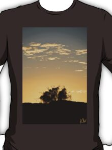 "Australia: ""Golden Outback Dawn"", Northern Territory T-Shirt"