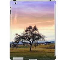 Old tree and amazing cloudy sky | landscape photography iPad Case/Skin