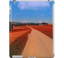 Hiking through a peaceful scenery | landscape photography iPad Case/Skin