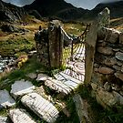 North Wales : Gateway to Tryfan by Angie Latham