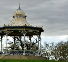 Rotunda on the Torrens by chijude