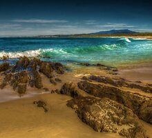 Kiama Beach. by Bette Devine