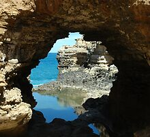 The Grotto, Great Ocean Road, Australia by jrfphotography