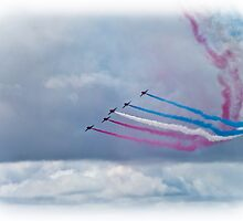 The Red Arrows by woodgag