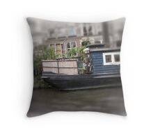 old houseboat Throw Pillow