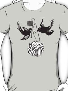 Cute birds knitting needles ball of yarn T-Shirt