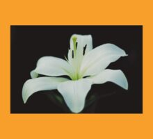 White lily 1 T-Shirt