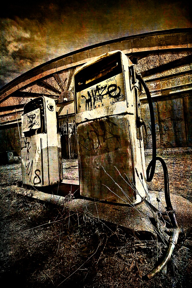 Abandoned Gas by TMPG