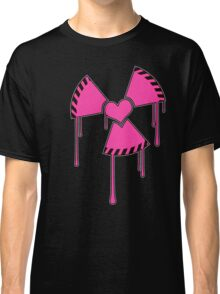 Isotopic love - Nuclear heart symbol Classic T-Shirt
