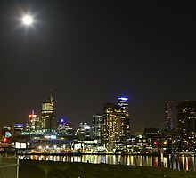 Melbourne Skyline by Ross Gibb