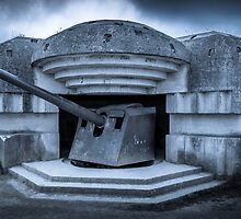 Batterie Longues-sur-Mer Normandy France  by tracesofwar