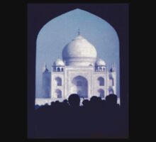 Viewing the Taj by George Hunter