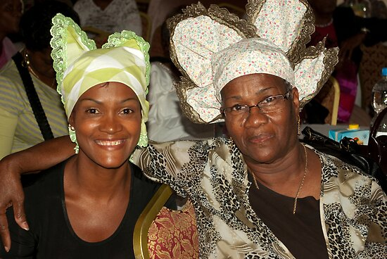 Two women with Curacao traditional head coverings by steppeland
