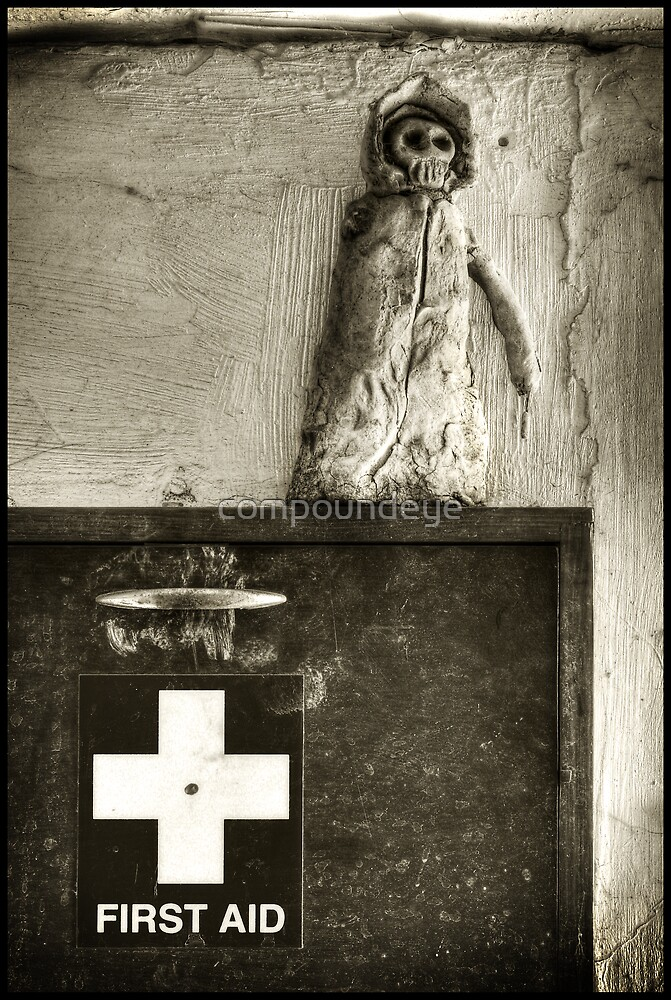 Kill or Cure... by compoundeye