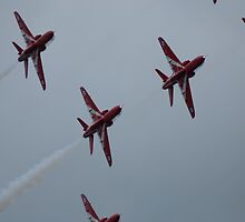 Red Arrows by evilcat