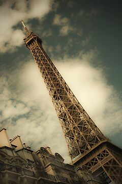 The Eiffel Tower by David Henderson