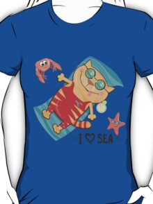 cat on the beach T-Shirt