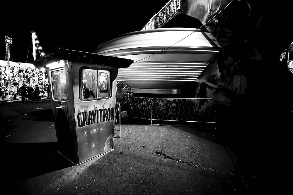 Gravitron by Paul Louis Villani