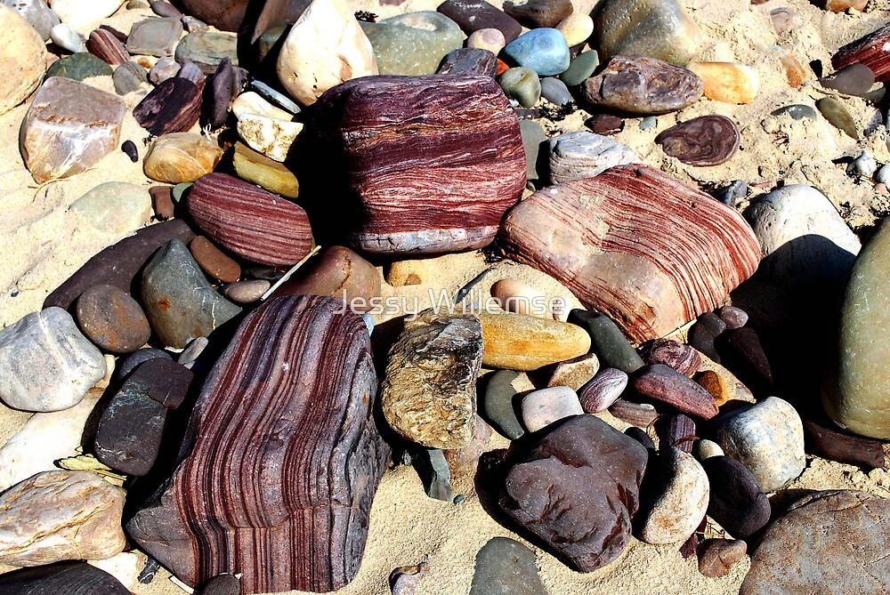 precious stones by Jessy Willemse