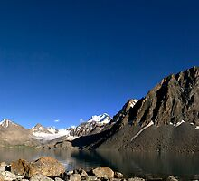 Gletsjer Lake by Xavier Sieckmeijer