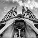 La Sagrada Familia by Robyn Lakeman