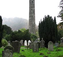 Stone tower in County Wicklow, Ireland by ecotterell